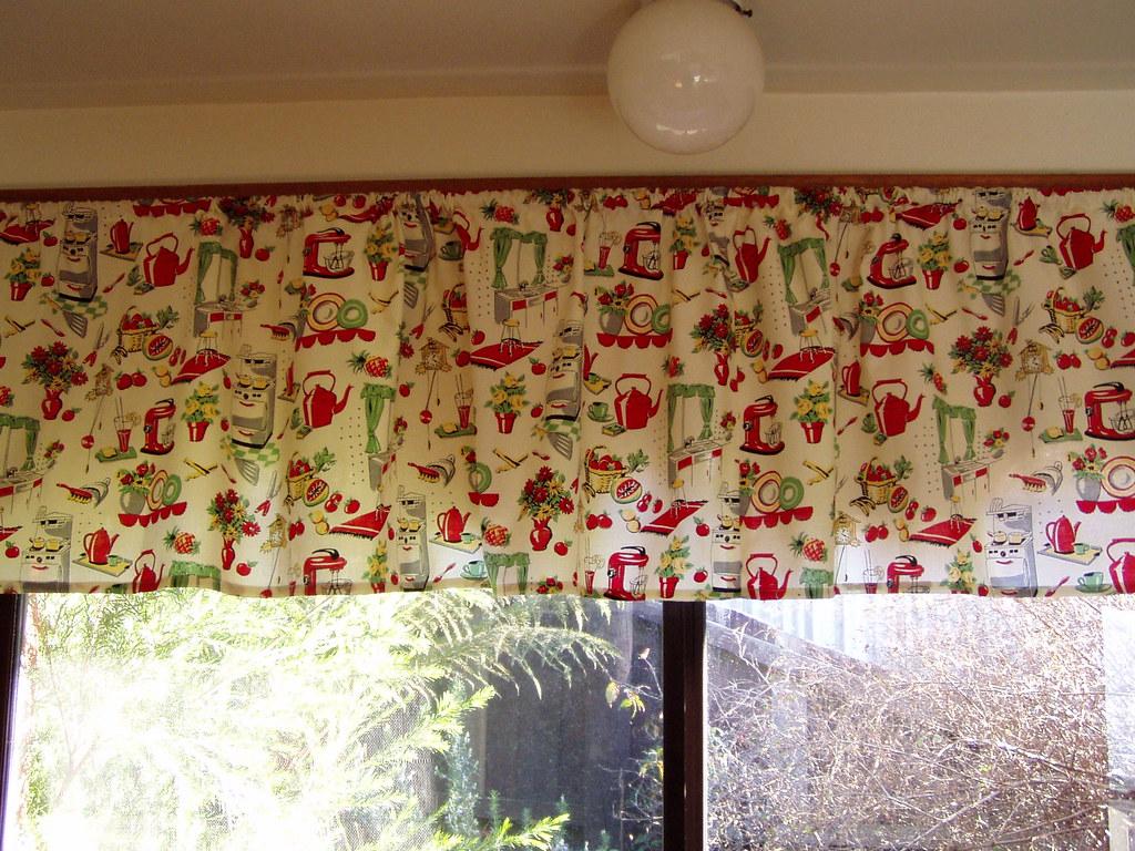 White Kitchen Curtain Ideas