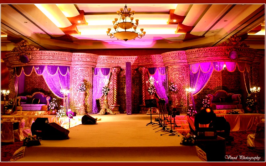 Arabic traditional wedding stage vinod tharammal flickr for Arabic stage decoration
