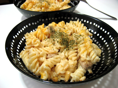 macaroni and cheese: it's no kraft dinner ;) | by kiddy factory