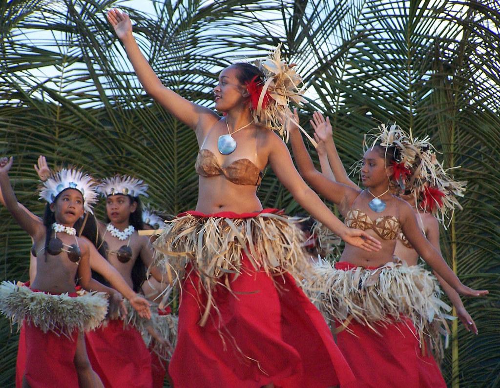 Tahitian Group 55