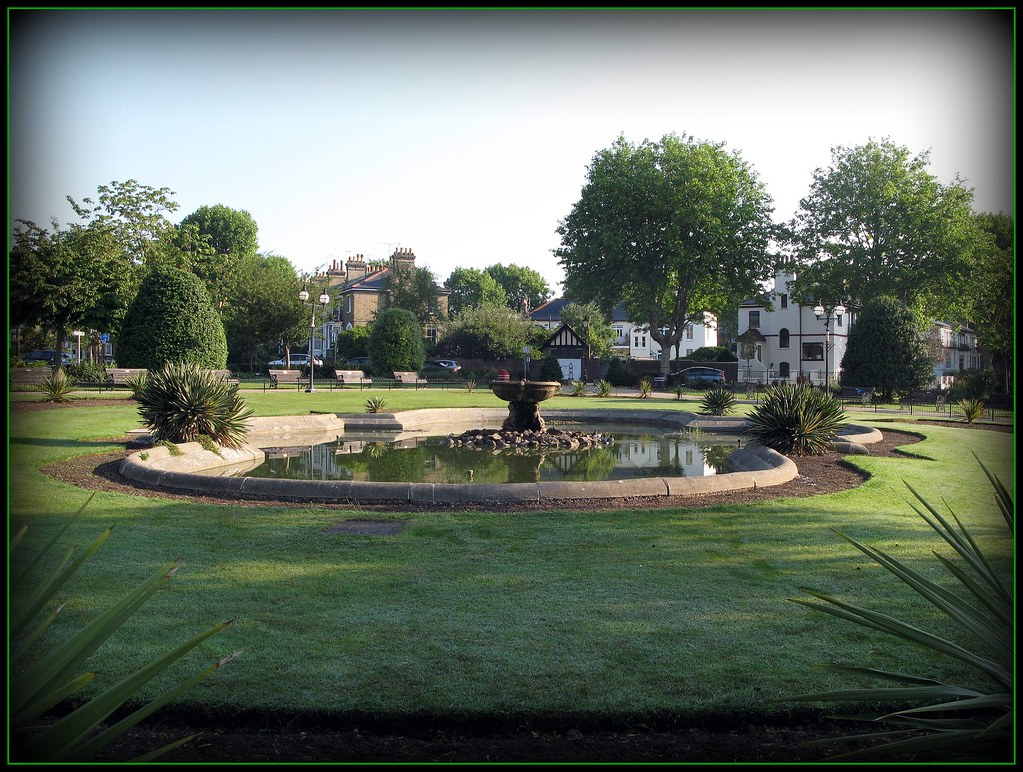 Prittlewell Square Southend On Sea Flickrcrazy Guy Flickr