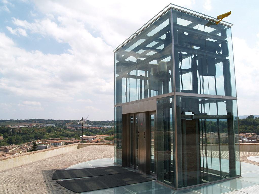 Glass Elevator Strange Outdoor Lift Castellina In Chiant David Parkinson Flickr