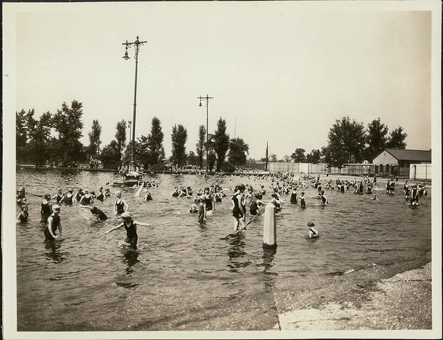 Fairgrounds Park swimming pool 1920s Flickr Photo