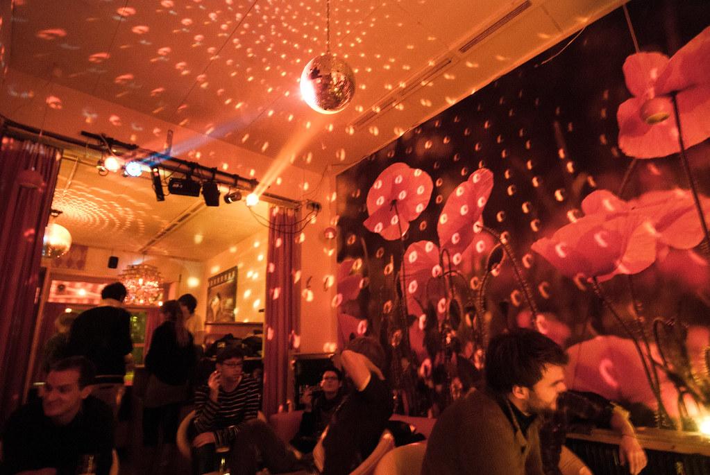 joe 39 s bar berlin fronx flickr. Black Bedroom Furniture Sets. Home Design Ideas