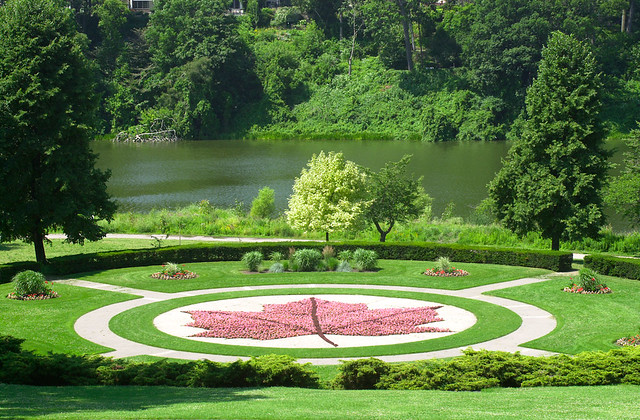 8_Best_Parks_For_Picnic _in_Toronto_2