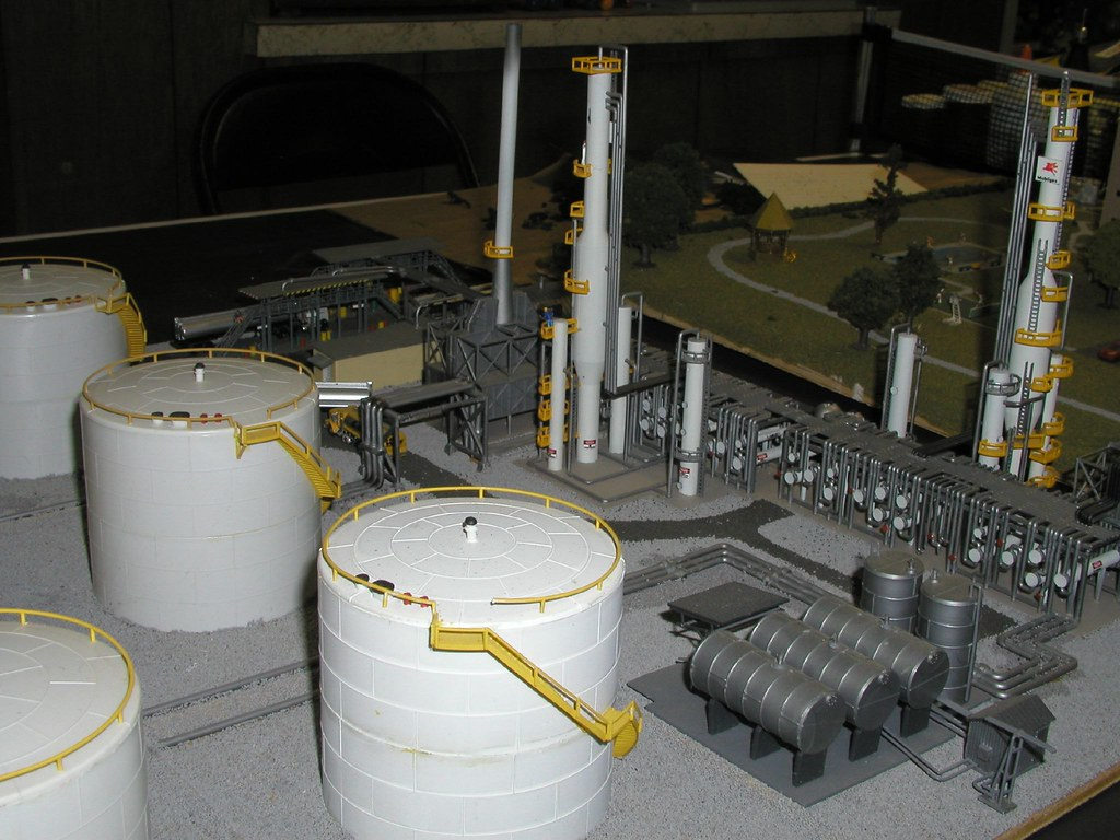 Refinery in N-Scale Model Train Layout | Steve Wincott