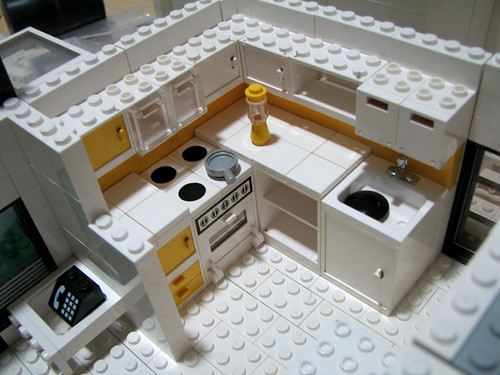 Our house in lego kitchen area warna aslinya nggak kuning