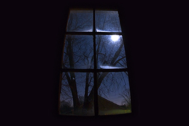 Moonlight window | Full moon through the garage window ...