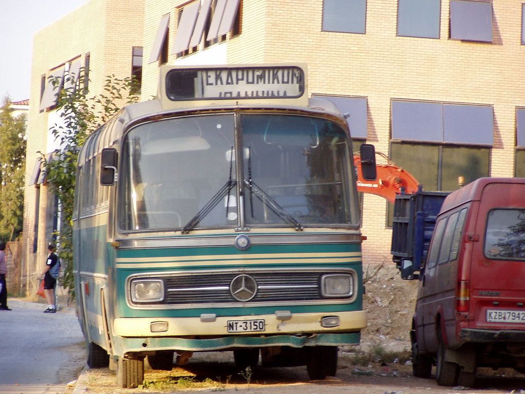 how to get from athens to kefalonia by bus