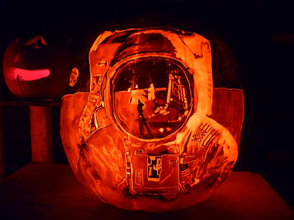 astronaut pumpkin - photo #2