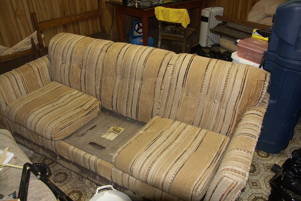 Couch Missing A Cushion | This Has Since Gone To The Dump. | Flickr