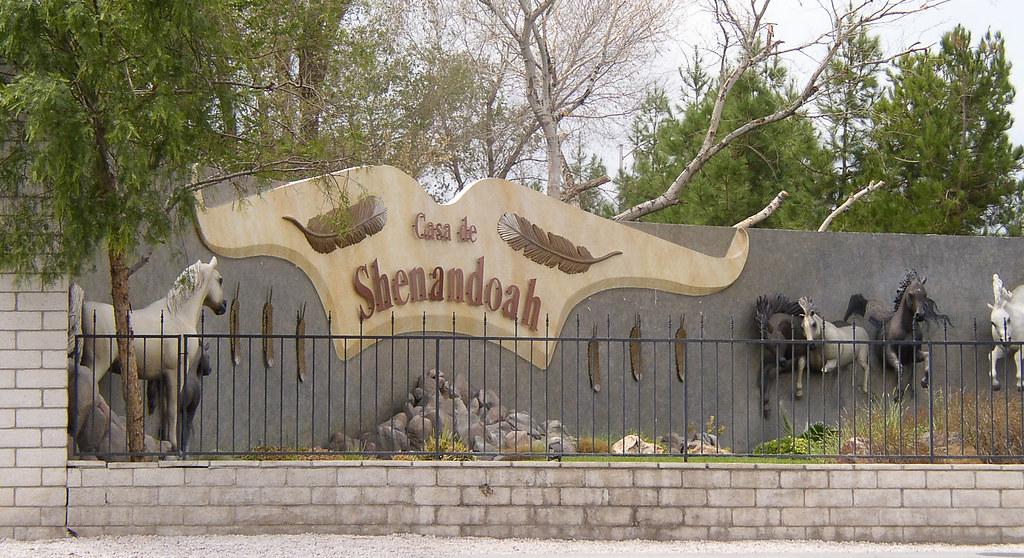 Casa De Shenandoah   Wayne Newton's Casa de Shenandoah On ...