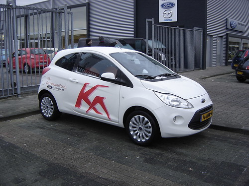 utrecht new 2009 ford ka the smallest ford available in e flickr. Black Bedroom Furniture Sets. Home Design Ideas