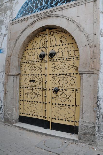 Style de porte exterieure traditionnel flickr photo for Porte 73x200