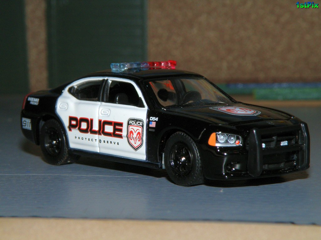 Dodge Charger Police Demonstration Model Greenlight Dieca