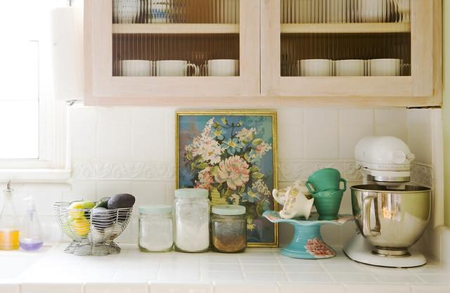 Kitchen counter 01 raya flickr for Kitchen decor items