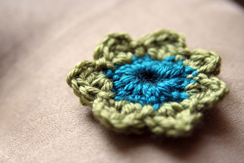 crochet flower | by lucrecerb