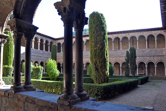 Monestir de Santa Maria de Ripoll  Flickr - Photo Sharing!