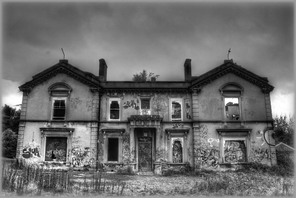 Thugz Mansion | Hollywood Lodge | Phil | Flickr
