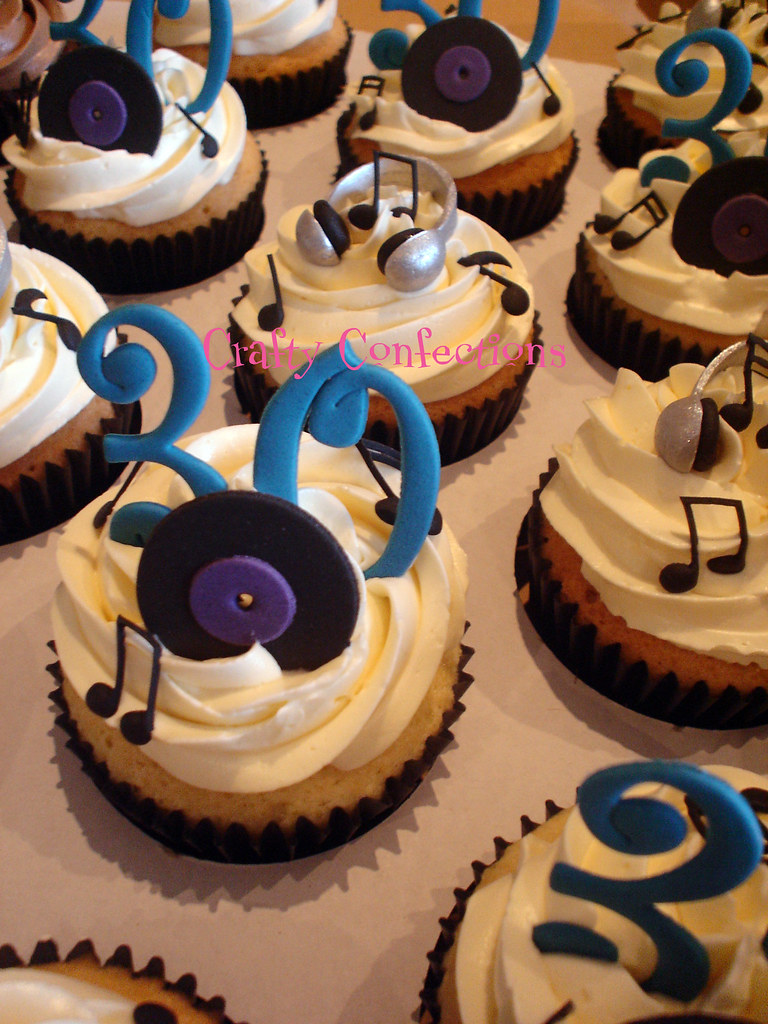 Dj Cupcakes Cupcakes For A Dj S 30th Birthday Crafty