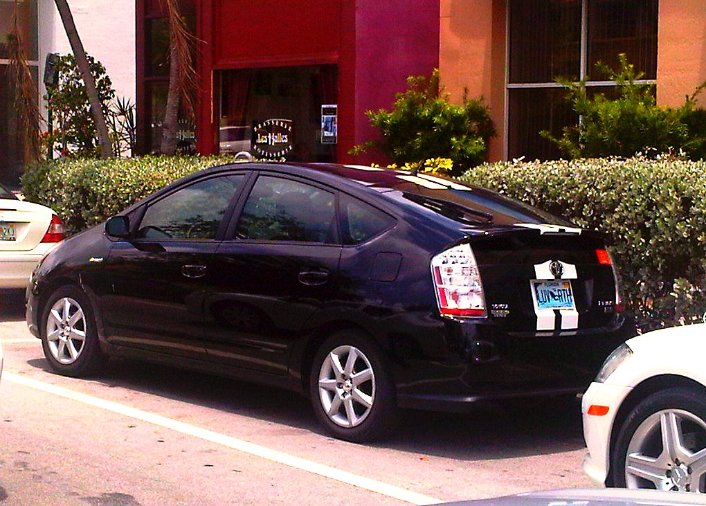 toyota prius official pace car of the green prix prius. Black Bedroom Furniture Sets. Home Design Ideas