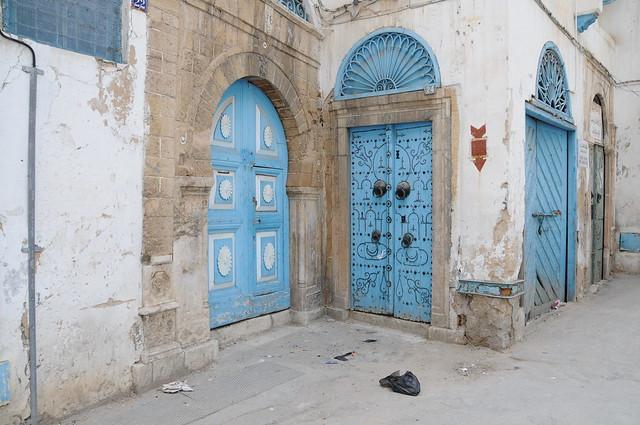 Style de porte exterieure traditionnel dans la m dina de t - La porte exterieure ...