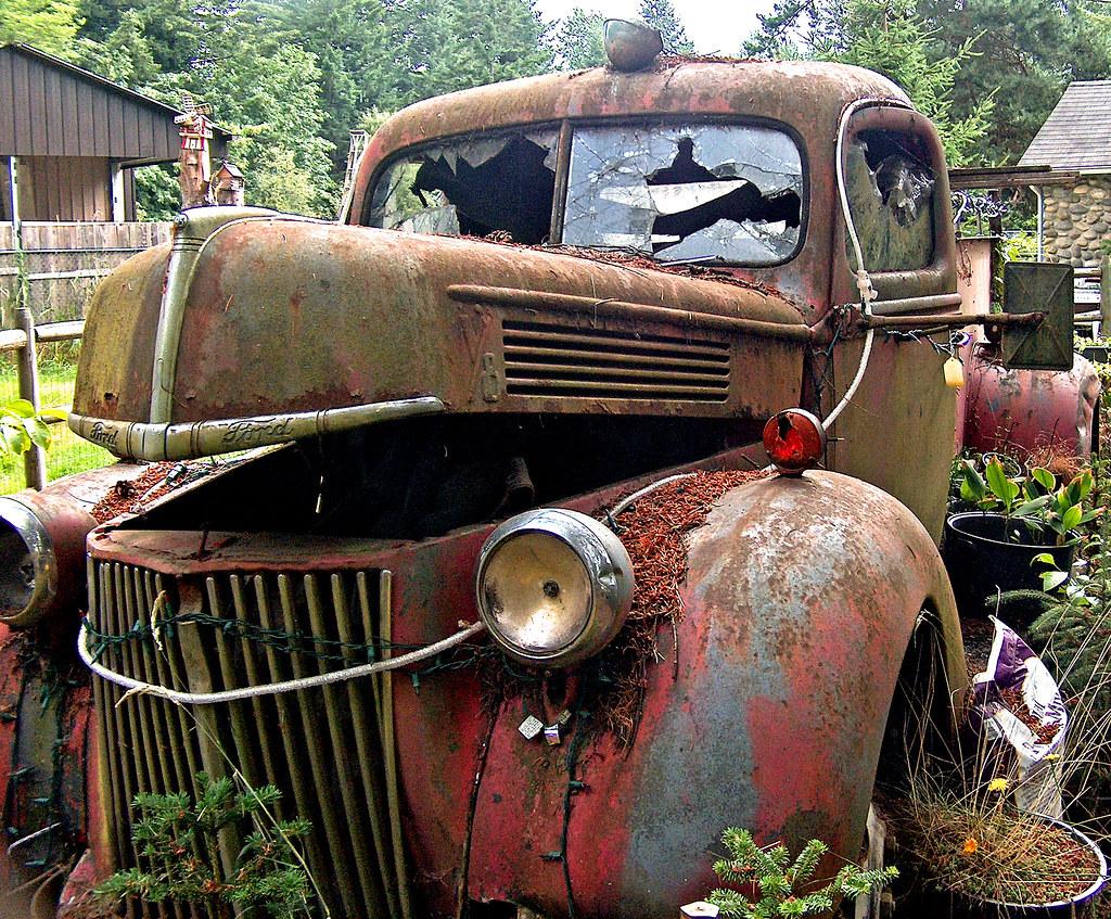 old fire truck for sale i went to the most wonderful yard flickr. Black Bedroom Furniture Sets. Home Design Ideas