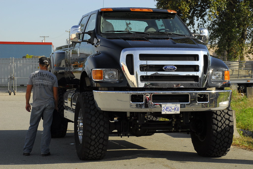 Ford F650 | I thought the F350 was big this is a monster ...