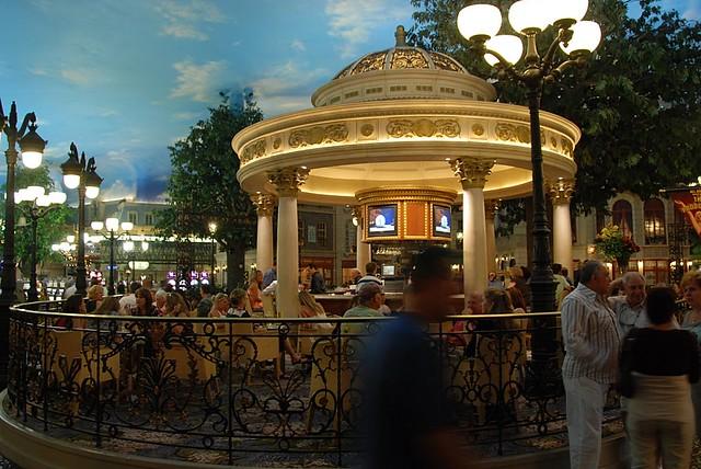 4 kids, 2 women and 1 long road...: Las Vegas - Day 3 ...   Paris Hotel Las Vegas Inside