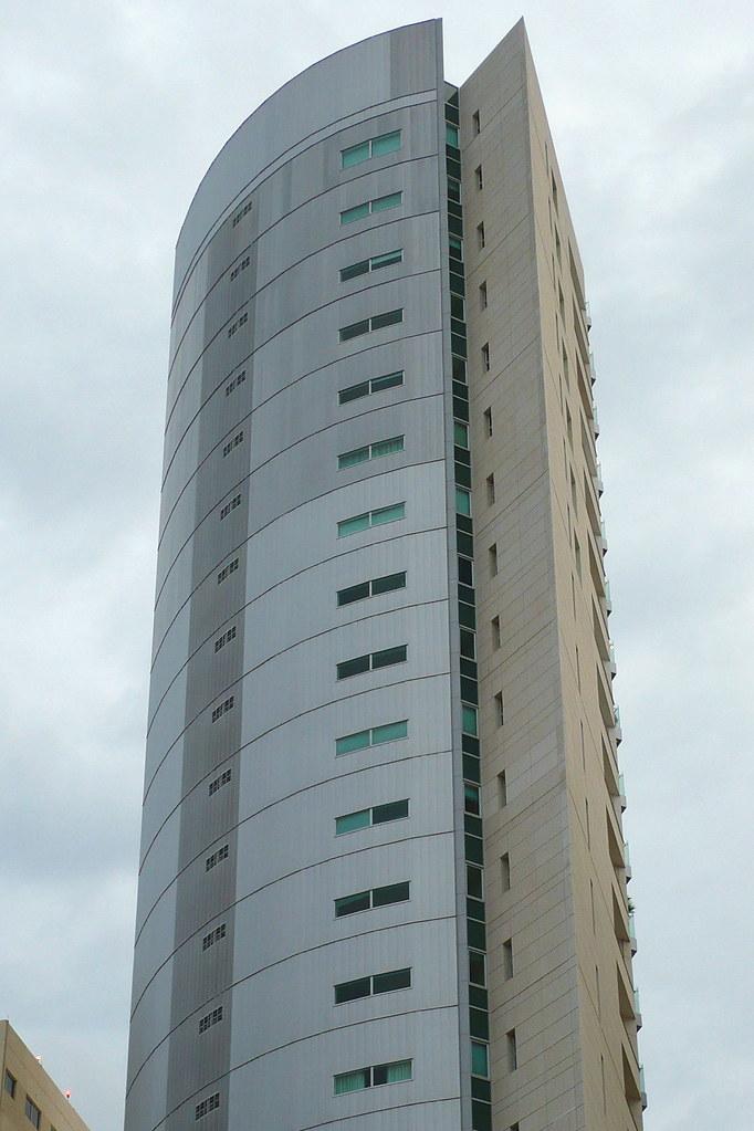 Edificio minimalista acqua tower un edificio casi for Edificios minimalistas