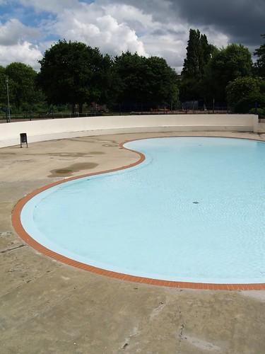 Paddling pool the strand gillingham shared simon - The strand swimming pool gillingham ...