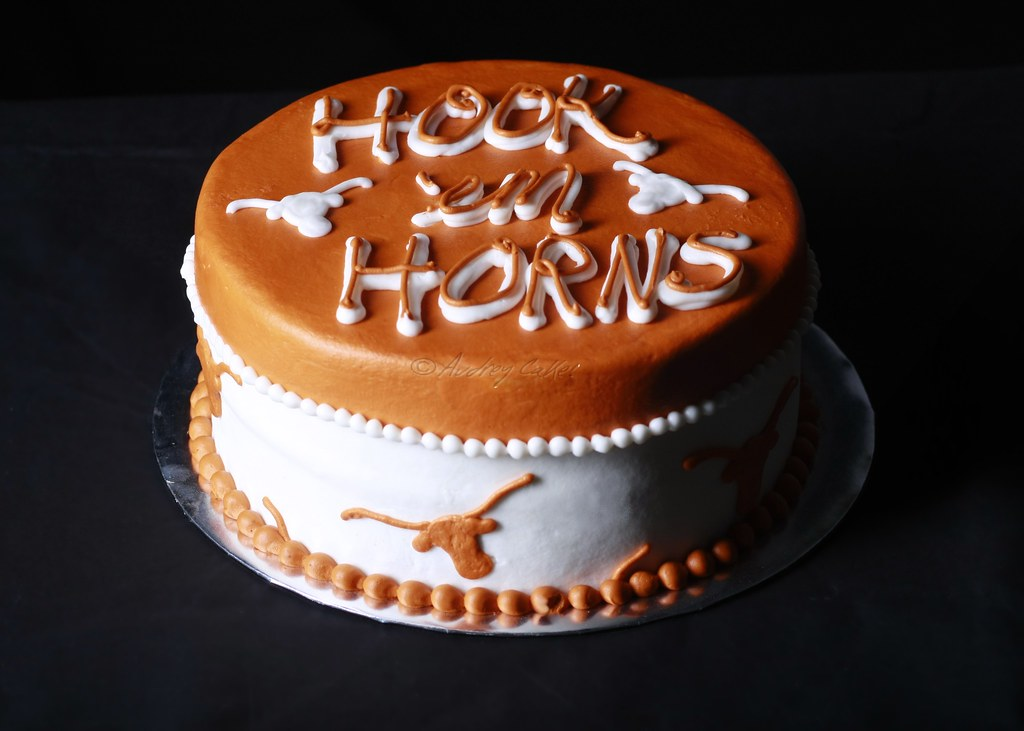 Texas Longhorn Cake The Birthday Boy May Want To Hide