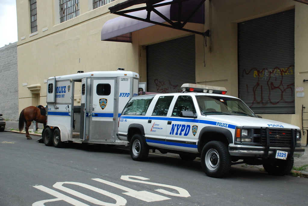 Nypd Mounted Unit Chevrolet Suburban Rmp And Horse Trailer