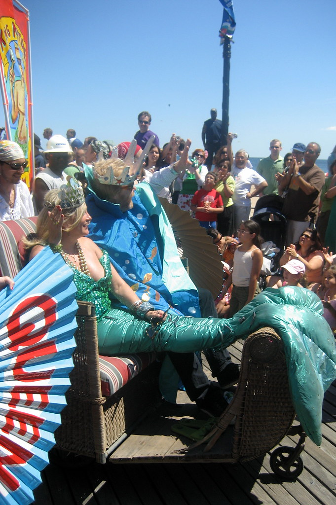 2007 mermaid parade 1 - 2 4
