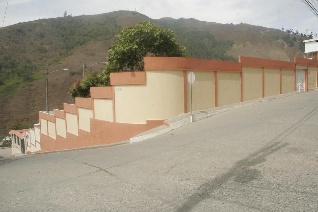 Adecentamiento y pintado piscina municipal for Pintado de piscinas
