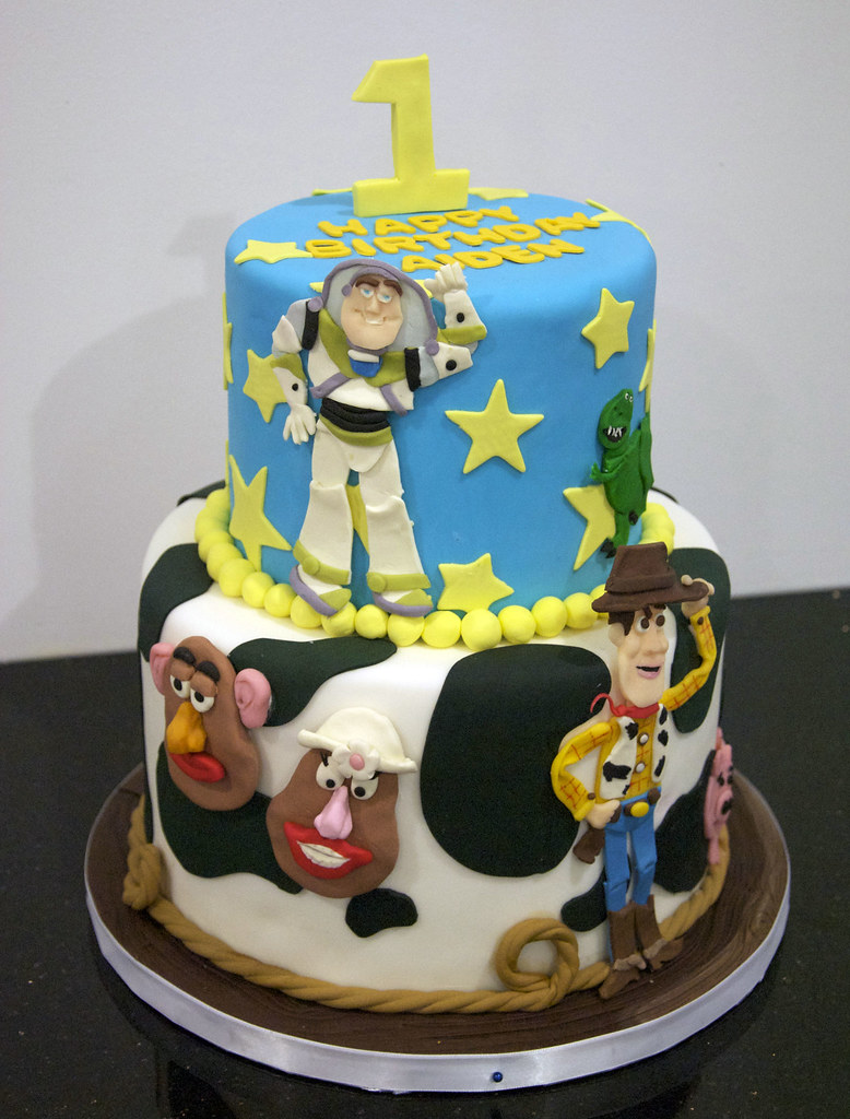 Bc4091 Toy Story Birthday Cake A Fun 2 Tier Toy Story