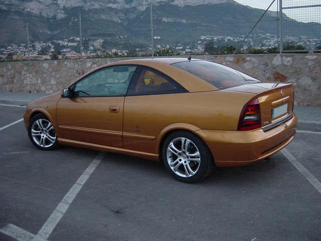Opel ASTRA F 1.8 16V (125cv) 3 FIXING …