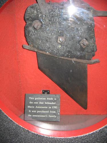 Guillotine blade that beheaded Marie Antoinette ...