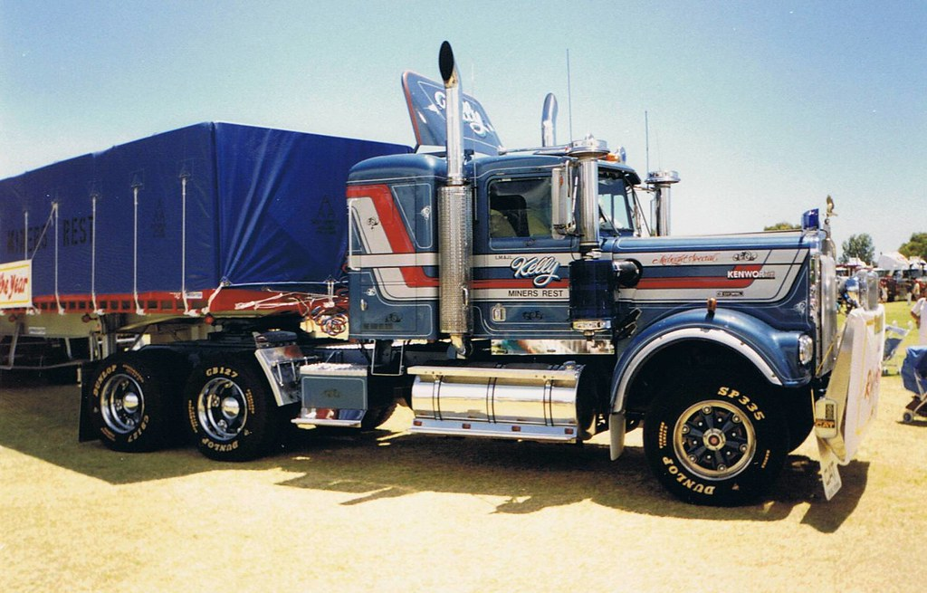 kenworth w model leo kelly 39 s kw at the 1990 truckin life. Black Bedroom Furniture Sets. Home Design Ideas