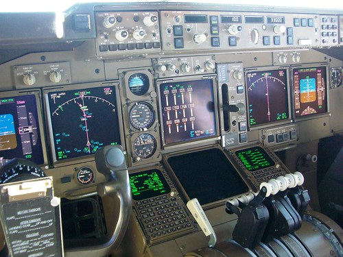 Boeing 747 400 Flight Deck With Notes Flickr Photo