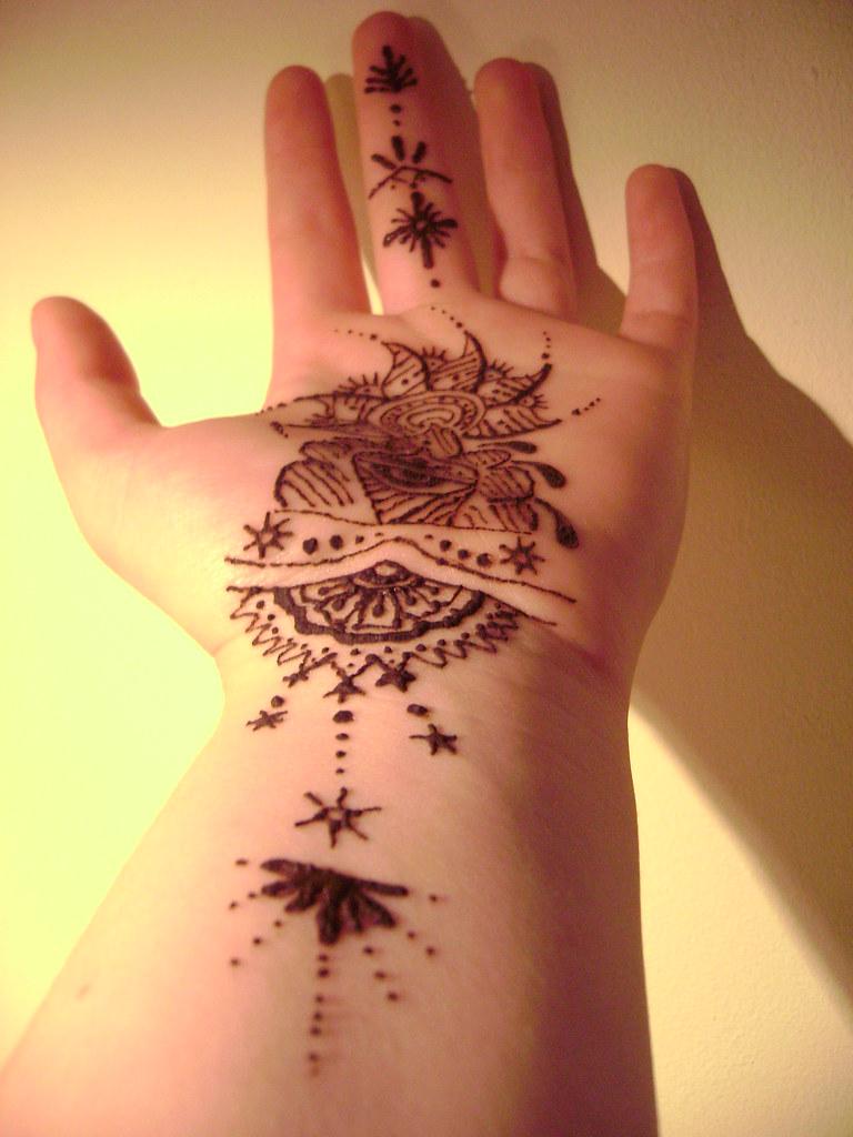 henna - self henna-ing addiction- this mornings efforts - Nom