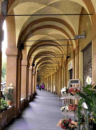 Bologna portico di via saragozza tratto in pianura for Piani di progettazione portico