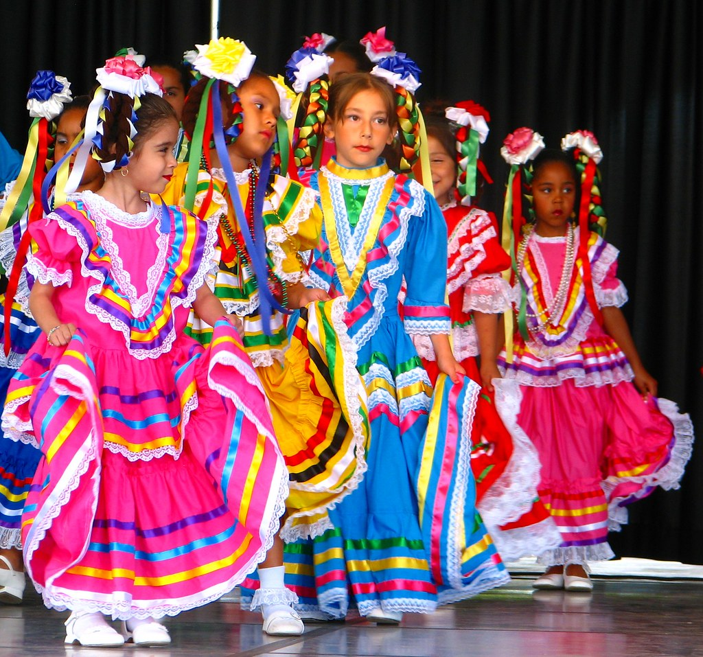 Mexican dancers | Rona Proudfoot | Flickr