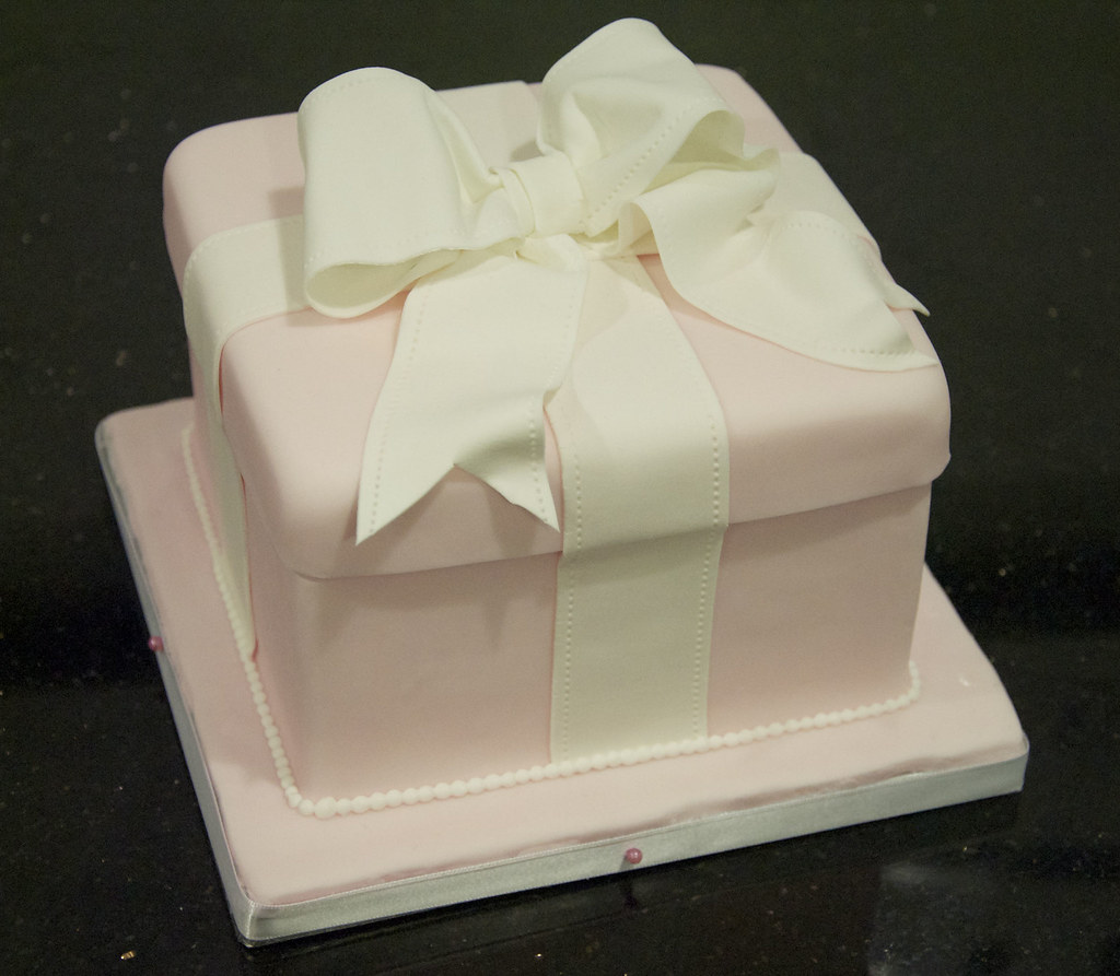 white wedding cake recipe from box bc4136 pink box wedding cake bc4136 this 6 27370