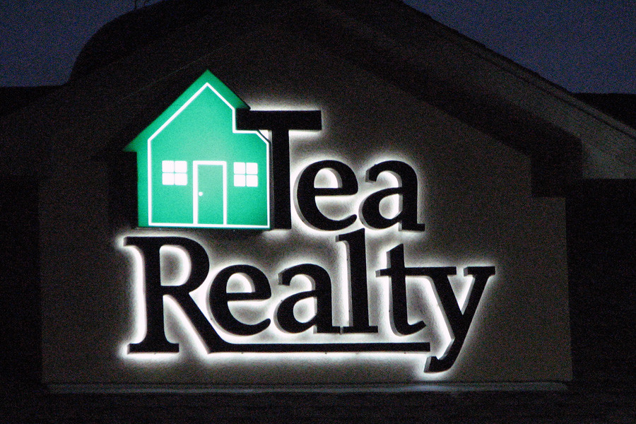 Tea Realty Lighted Signs | Exterior signs, outdoor business … | Flickr