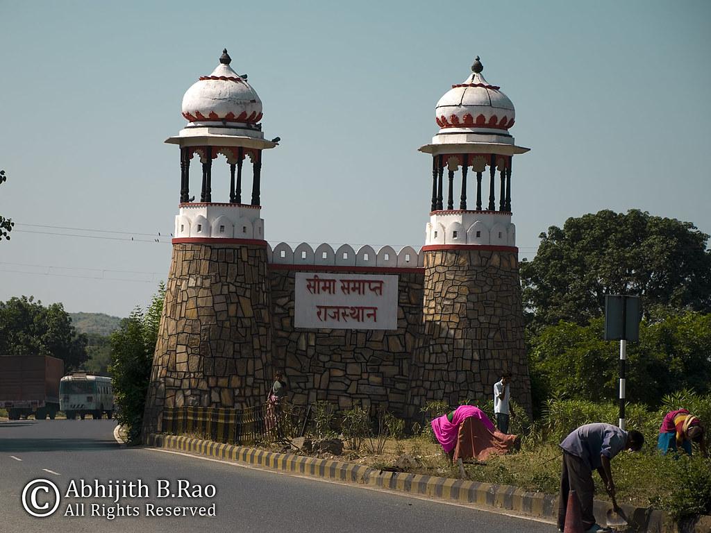 Rajasthan Border. Gujarat next! | Heading into Gujrat ...