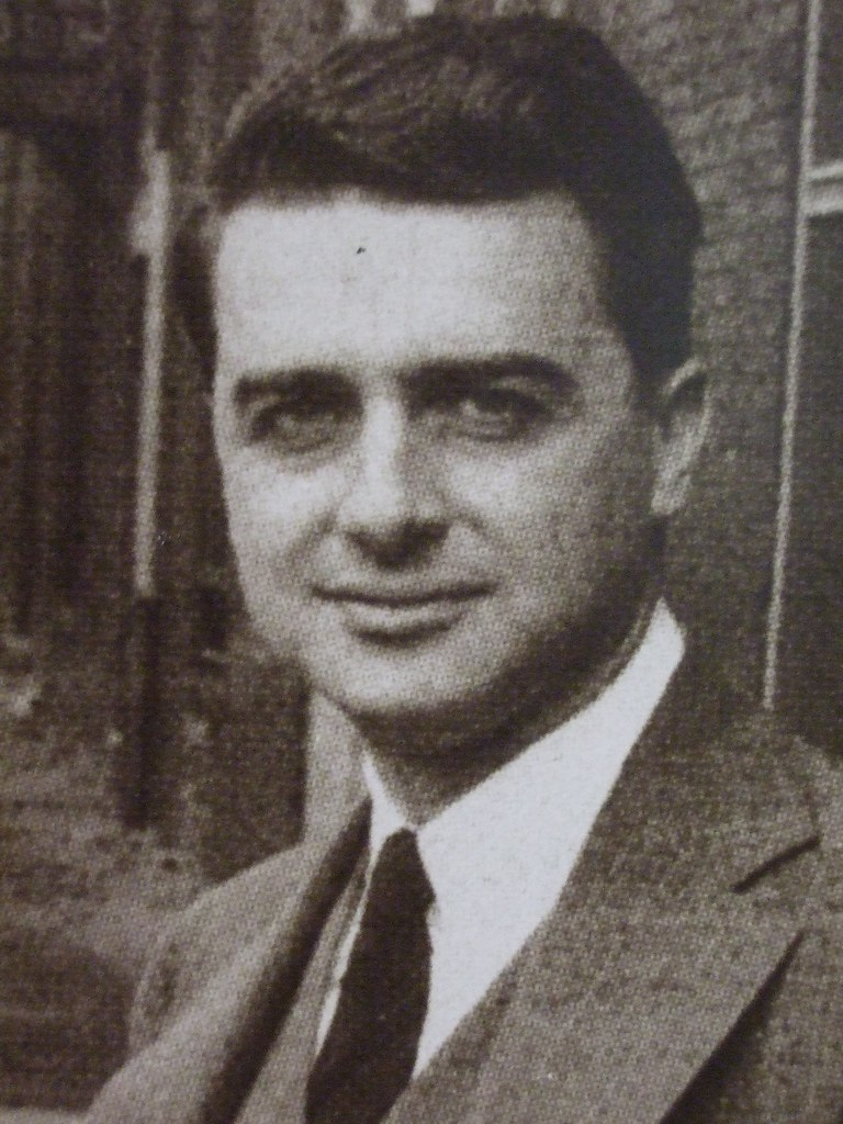 a history of the polaroid corporation founded by edwin land and george wheelwright Polaroid corporation: and optical equipment founded by edwin herbert land which land founded with george wheelwright to produce land's first invention.