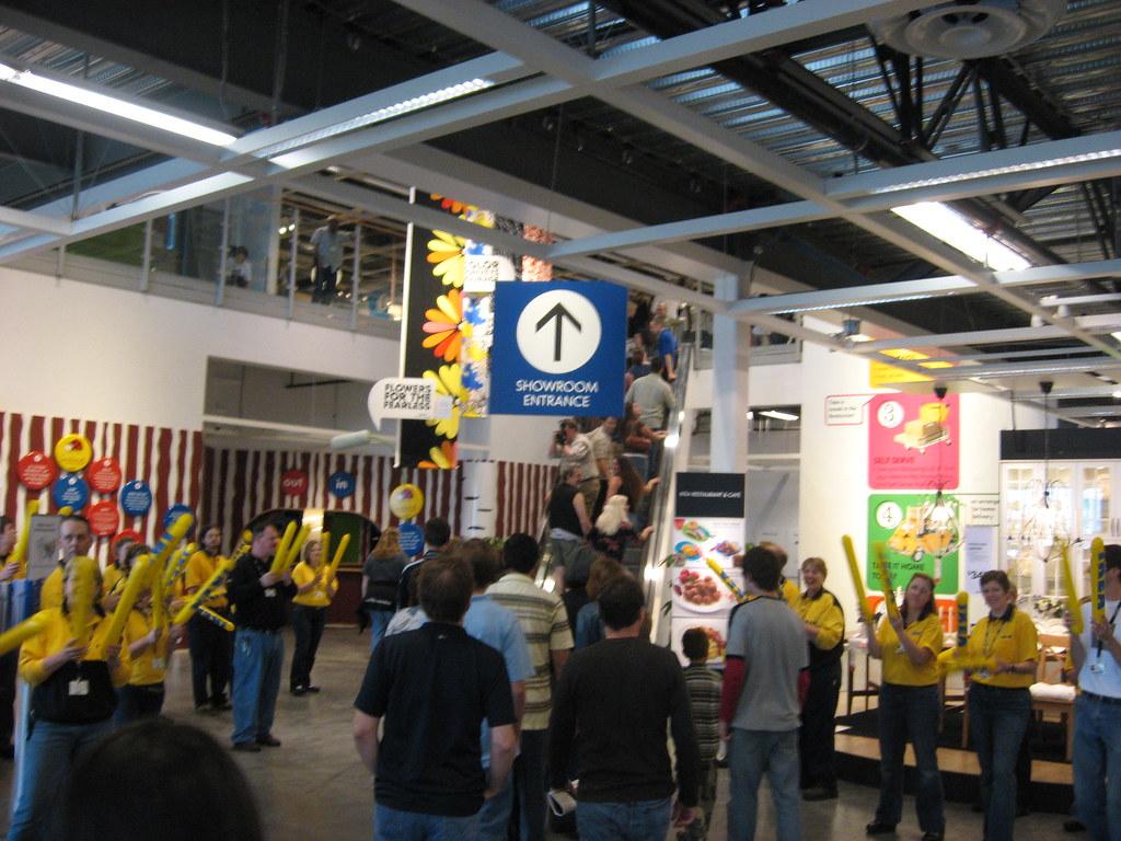 Ikea portland friends and family preview ikea portkand for Ikea portant