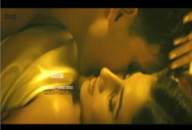 Vidya Balan In Hey Baby