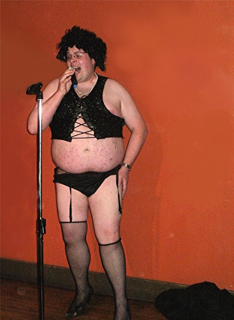 porno-video-karlikov-transvestitov